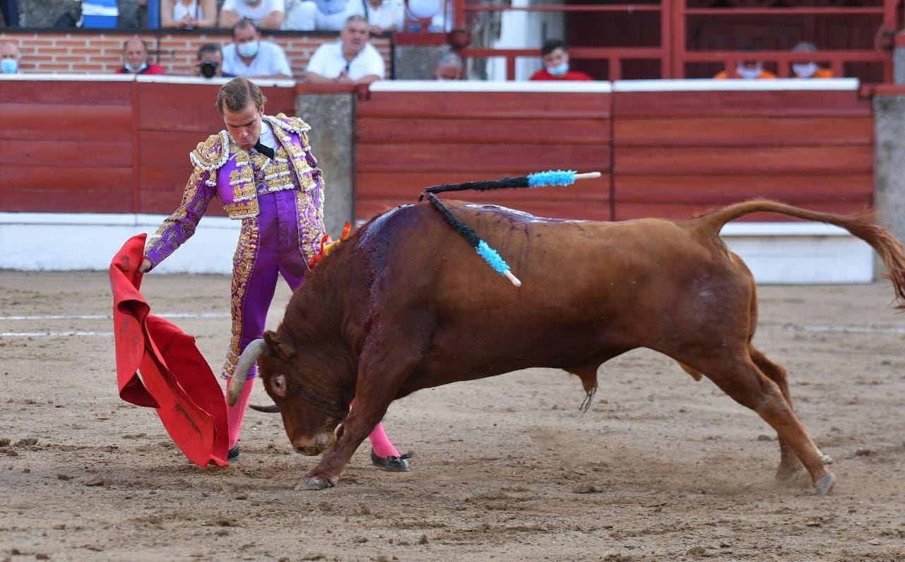16-El-Espinar-Javier-Cortes-derechazo