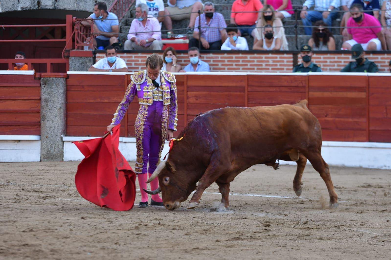 17-El-Espinar-Javier-Cortes-derechazo