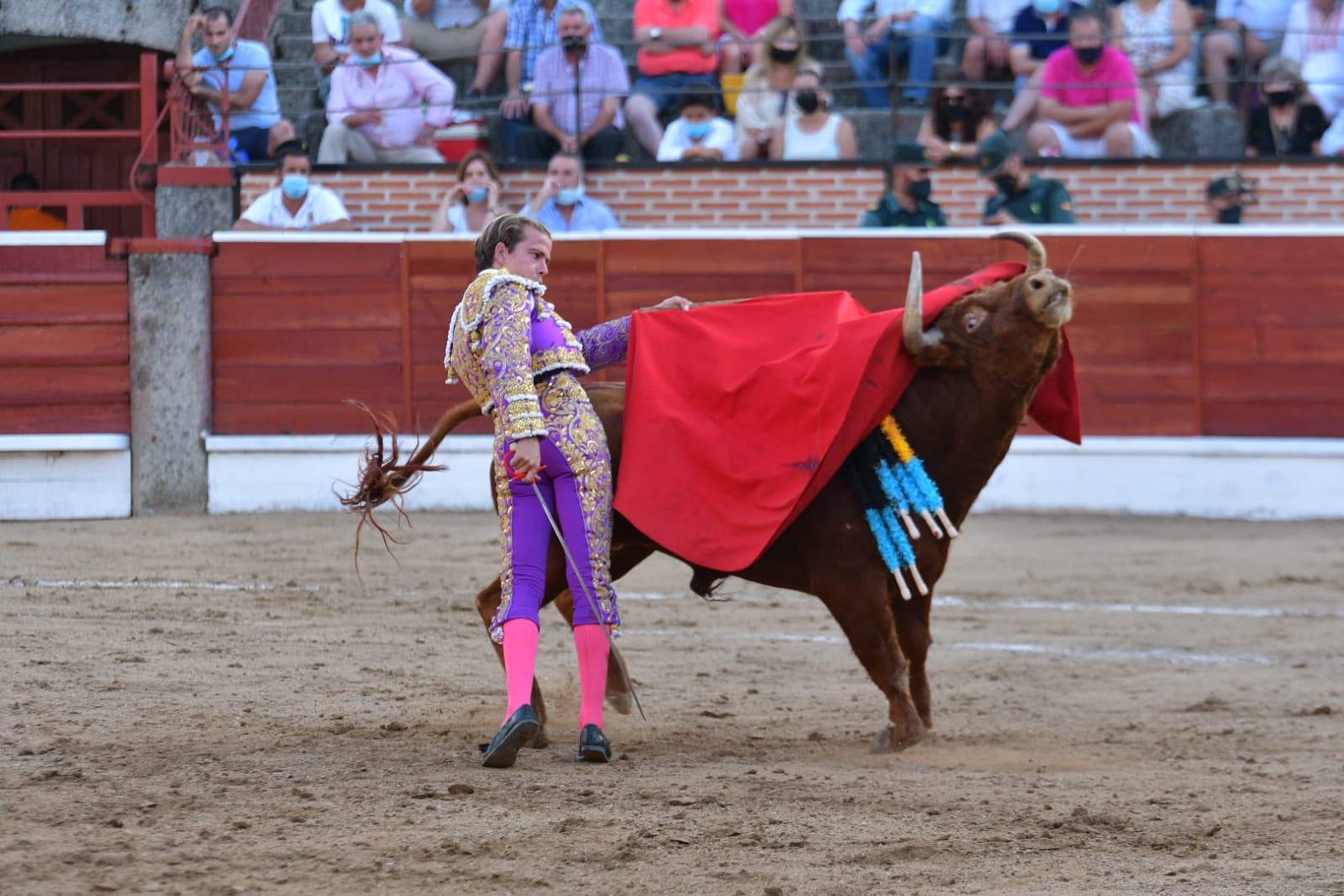 19-El-Espinar-Javier-Cortes-pase-de-pecho