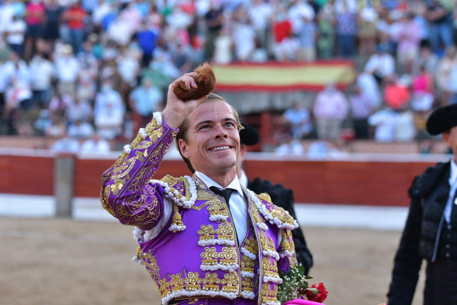 20-El-Espinar-Javier-Cortes-oreja